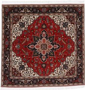 6x6 Square Tabriz Heriz Persian Rug with silk