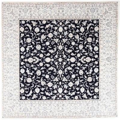 Nain Square 9Lah Persian rug. Wool 9La Nain Persian carpet with silk
