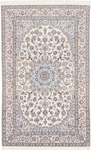 Nain 6Lah 500KPSI Persian rug. Very fine Nain Persian carpet with silk