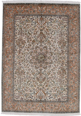 7foot light color silk rug