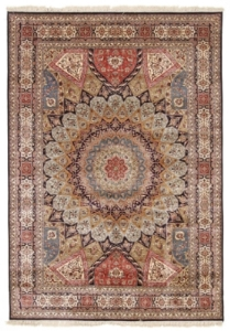 Kashmir Silk Rug with a single knot Quality and 350 KPSI
