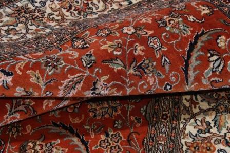 Kashmir Silk Rug with a 18/18 Quality and 350 KPSI