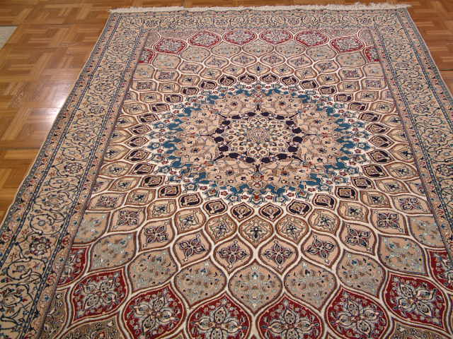 Isfahan Persian rug #5131, click on the picture or description for more details about this Persian rug and other Persian carpets in Taiwan.