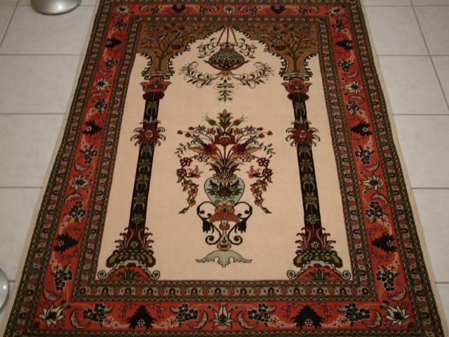 Persian rugs and Persian carpets in Arizona.