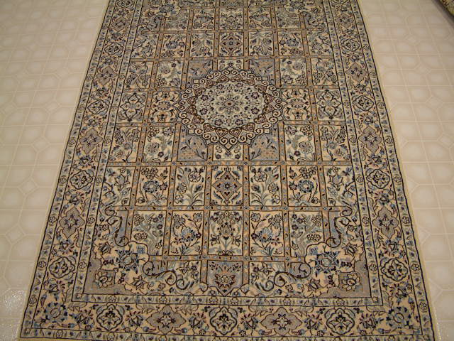 Nain Persian rug #3159, click on the picture or description for more details about the Persian carpets.