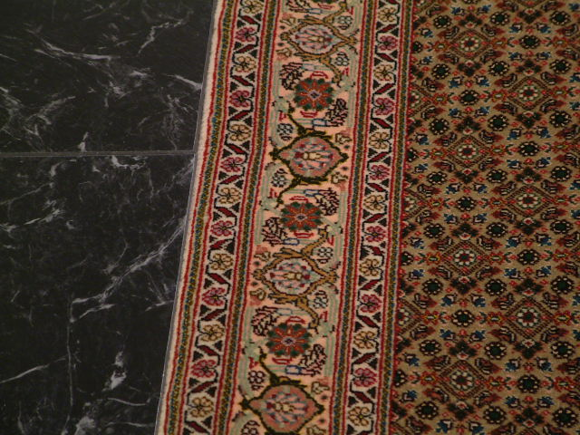Tabriz mahi Persian rug; 3x4 tabriz mahi persian rug. Dark colored mahi Tabriz Persian carpet with kurkwool/silk.