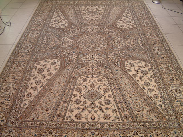 Nain Persian rug #5120, click on the picture or description for more details about the Persian carpets.
