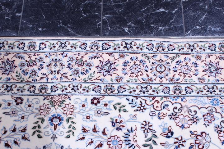Nain 6Lah persian rug. Very fine Nain persian carpet with lots of silk highlights