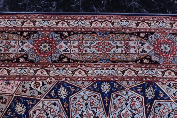 Large 5x7 Gonbad Tabriz Persian rug. Dome Design Gombad Tabriz Persian carpet.