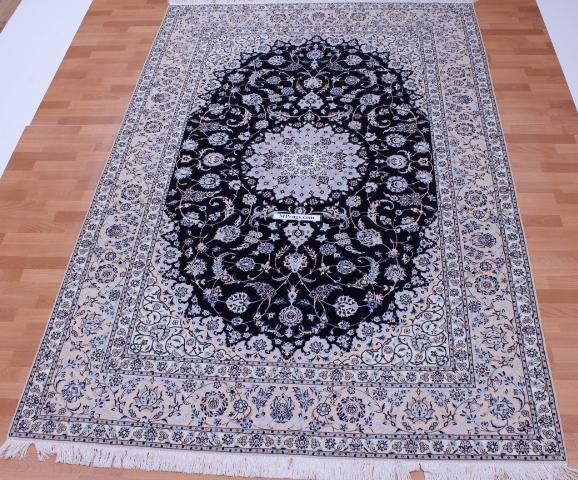 Nain 6Lah Persian rug. Very fine Nain Persian carpet with lots of silk highlights.