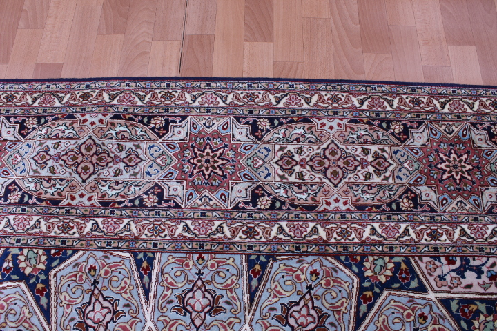 Large 5x7 Gonbad Tabriz Persian rug. Dome Design Gombad Tabriz Persian carpet.