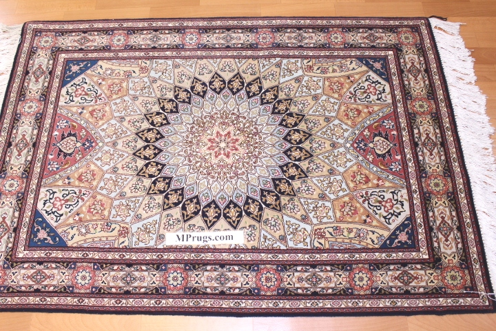 Round Gonbad Tabriz Persian rug; 3' 1m round tabriz Persian Rugs genuine handmade. high quality round Persian rug with Gombad design.