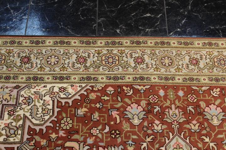 7x5 silk Tabriz Heriz Persian rug, 350 KPSI 50 raj handmade Tabriz carpet.