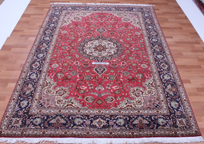 50 Raj silk Tabriz Persian rug with 350 KPSI. 9x6 high quality Tabriz Persian carpet