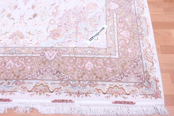 70 Raj silk Tabriz Persian rug with 600 KPSI. 10x7 high quality Tabriz Persian carpet