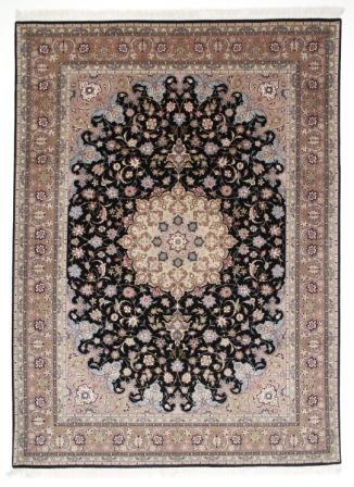 50 Raj Tabriz Persian rug with silk highlights. High Quality Tabriz Persian carpet with silk.