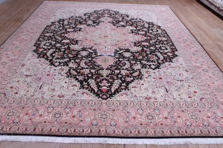10x13 Tabriz Persian rug with Heriz Design