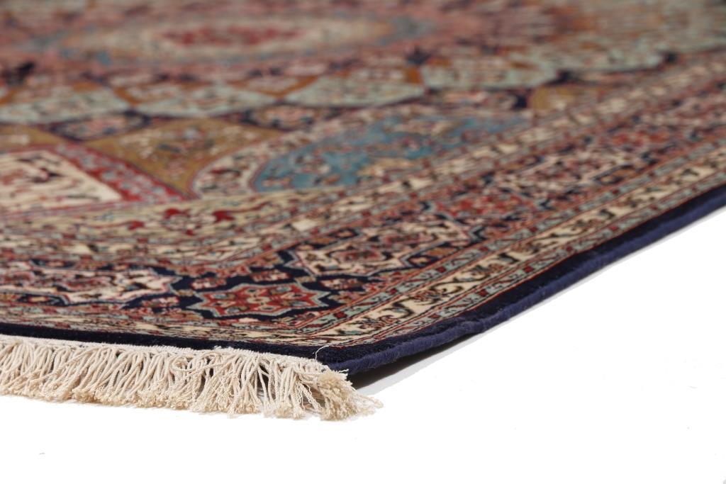 7'x5' (2,1x1,5m) silk Persian rug. High quality handmade Persian carpet.