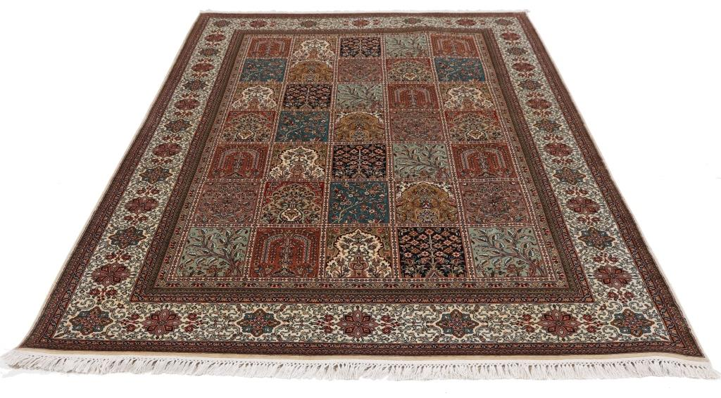 8'x5' (2,4x1,6m) silk Persian rug. High quality handmade Persian carpet.