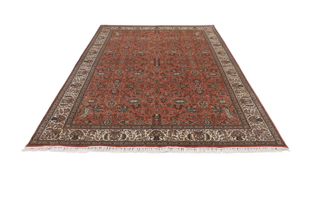 10'x7' (3x2m) silk Persian rug. High quality handmade Persian carpet.