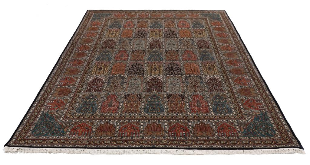 11'x8' (3,5x2,5m) silk Persian rug. High quality handmade Persian carpet.