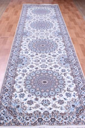 Nain 6Lah Persian rug runner. Very fine Nain Persian carpet runner with lots of silk highlights.
