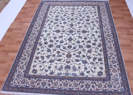 Nain 6Lah Persian rug. Very fine Nain Persian carpet with lots of silk highlights.