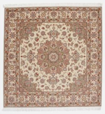 Square Faraji Tabriz Persian rug. 50 raj 350 kpsi Tabriz Persian carpet.