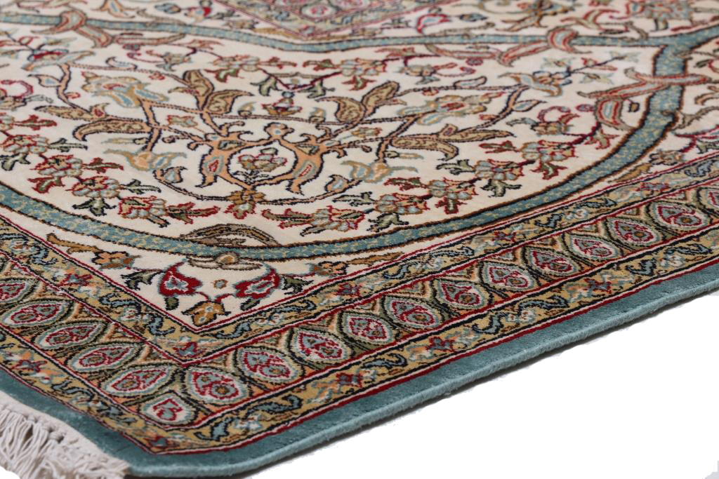 16x11 Kashmir Silk Carpet - Luxurious Gonbad Design