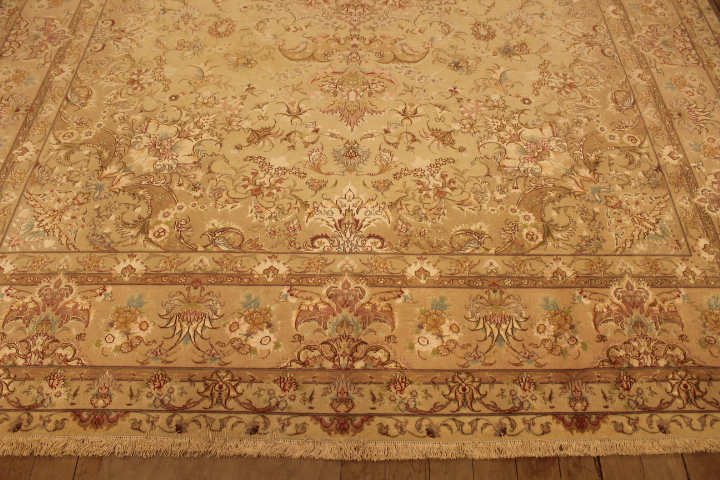 55 Raj Tabriz Persian rug with a silk foundation. 11x8 silk Tabriz Persian carpet