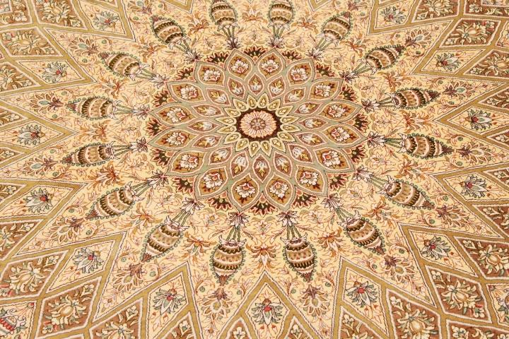 large round Qom silk Persian rugs with 800KPSI. 8' Round pure Silk masterpiece Qum Persian carpet.
