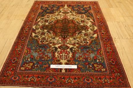 Antique Keshan Persian rug, old Keshan Persian carpet over 100 years old