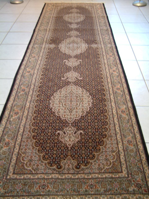 Tabriz Persian rug #4091, click on the picture or description for more details about the Persian carpets.