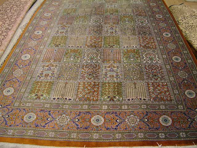 Tabriz Persian rug #1231, click on the picture or description for more details about the Persian carpets.